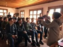 ÖĞRETIM GÖREVLISI - Buldan'daki Tarihi Beyler Konağı'nda İlk Ders Yapıldı