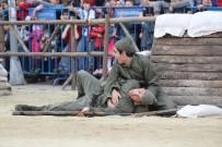 TİYATRO OYUNU - Çanakkale Zaferi, Gaziosmanpaşa Meydanı'nda Yeniden Canlandırıldı