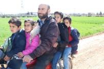 OKUL SERVİSİ - Eğitim Uğruna Tehlikeli Motosiklet Yolculuğu
