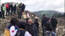 İŞ MAKİNESİ - Göçük Altında Kalan Kamyon Şoförü Öldü
