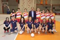 EMEKÇİ KADINLAR - Kadınlar, Toplumsal Cinsiyet Eşitsizliğine Karşı Futbol Maçı Yaptı
