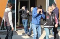 ZİYNET EŞYASI - Kargocu Kılığında 66 Yaşındaki Kadını Darp Eden 5 Kişi Yakalandı