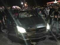 MOTOSİKLET SÜRÜCÜSÜ - Motosiklet İle Otomobil Çarpıştı Açıklaması 1 Yaralı