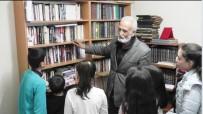 KÜTÜPHANE - Ödemişli Tarih Araştırmacısı Kitaplarını Çocuklara Açtı