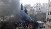 GERİ ÇEKİLME - Rusya Ve Suriye Savaş Uçakları Doğu Guta'ya Napalm Bombası Attı Açıklaması 50 Ölü