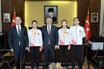 ERSIN YAZıCı - Vali Yazıcı, Dünya Şampiyonu Sporcuları Ödüllendirdi