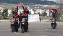YUNUS TİMLERİ - Yunus Timleri'nin Motosikletli Gösterisi Büyüledi