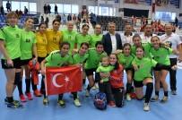 FAROE ADALARı - A Milli Kadın Hentbol Takımına Muratpaşa Damgası