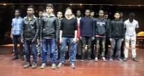 ABDULKADİR SELVİ - Afrikalı Öğrencilerden Çanakkale Şehitleri İçin Duygulandıran Şiir