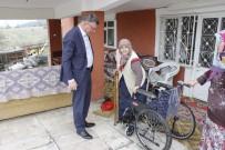TEKERLEKLİ SANDALYE - Başkan Duymuş, Hasta Ve Yaşlıları Ziyaret Etti