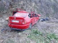 AKPINAR MAHALLESİ - Bilecik'te Feci Kaza Açıklaması 1 Ölü, 3 Yaralı