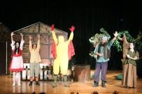 YENİMAHALLE BELEDİYESİ - Çocuklar Tiyatro İle Buluştu