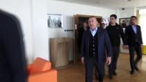 MUSTAFA UYSAL - Dışişleri Bakanı Çavuşoğlu'ndan Şehit Evine Taziye Ziyareti