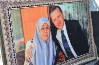 TENZILE ERDOĞAN - Erdoğan Sevdasını Halıya Dokudu