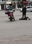 POLİS - Fenalaşan genç kızın başında bekledi!