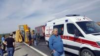 SILIVRI DEVLET HASTANESI - Kontrolden Çıkan Kamyon Yan Yattı Açıklaması 2 Yaralı