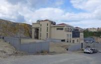 DENIZ TICARET ODASı - Kuşadası Ticaret Odası Otopark Çalışması Tamamlanmak Üzere