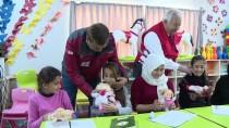 YARDIM KAMPANYASI - Türk Kızılayından Suriyeli Yetim Çocuklara Oyuncak