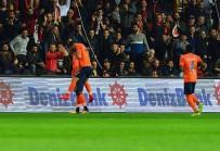 SARı KART - Başakşehir'den Beşiktaş'a Zirve Darbesi