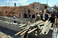 AHMET EŞREF FAKıBABA - Birecik'te 8 Taziye Evi Ve 9 Okulun Yapılması İçin Çalışma Başlatıldı