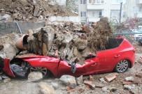 İstinat Duvarı Çöktü Açıklaması 2 Araç Enkaz Altında Kaldı