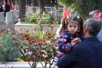 ŞEHİT AİLESİ - Kahramanmaraş Şehitliği'nde Hüzünlü Tören