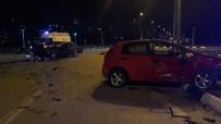 Manisa'da İki Otomobil Çarpıştı Açıklaması 4 Yaralı