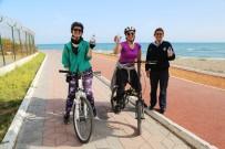 ZABıTA - Mezitli Belediyesi'nden Spor Yapana Su Desteği