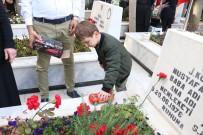 CUMHURİYET HALK PARTİSİ - Şehit Amcasının Mezarı Başında En Acı Oyun