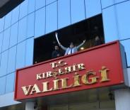NECATI ŞENTÜRK - Vali Şentürk,  Gençleri Kılıç Kuşanarak Çanakkale Gezisine Uğurladı
