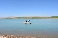 BOMBA İMHA UZMANLARI - Balık Ağına Takılan Bomba Etkisiz Hale Getirildi