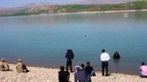 EL BOMBASI - Balıkçıların Ağına El Bombası Takıldı