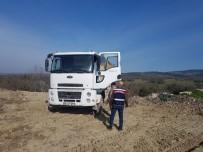 Boş Araziye İnşaat Atığı Döken Sürücü Suçüstü Yakalandı