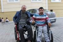 AKÜLÜ SANDALYE - Engelli Genç Hayaline Sosyal Medya Sayesinde Ulaştı