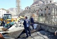 KAÇAK - Hakkari'de Kaçak Yapılar Kaldırıldı