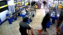 KAZIM KARABEKİR - Kar Maskeli 2 Kişinin Pompalı Tüfek Ve Palayla Yaptıkları Soygun Güvenlik Kameralarına Yansıdı