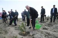 EMNİYET MÜDÜRÜ - Kütahya'da 'Şehitler İçin Bir Fidan Da Sen Dik' Projesi Kapsamında 250 Fidan Toprakla Buluştu