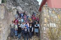 ESKIGEDIZ - Öğrenciler, Eskigediz Beldesinin Tarihi Mekanlarını Gezdi