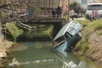 SANAYİ SİTESİ - Otomobil Sulama Kanalına Uçtu