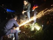BÜYÜKŞEHİR BELEDİYESİ - Tarla Sürerken Ayağını Çapa Makinesine Kaptırdı