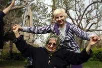 YAŞLI NÜFUS - Yaşlı Öğrenciler, Sağlıklı Yaşlanma İçin Yürüdü