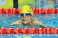 QUEENSLAND - 99 Yaşındaki Avustralyalı Yüzücü Rekor Kırdı