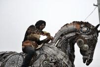 BREMEN MıZıKACıLARı - Ataşehir'de  1 Ton Ağırlığındaki 'Merkür Atı' Büyük İlgi Görüyor