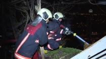 GECEKONDU - Başkentte Üç Gecekondu İle Bir Marangoz Atölyesi Yandı