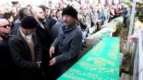 YOL ÇALIŞMASI - Erzurum'da Otomobil İle Kamyonun Çarpışması