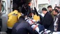 YOLCU MİNİBÜSÜ - GÜNCELLEME - Bitlis'te Minibüs Şarampole Devrildi Açıklaması 2 Ölü, 8 Yaralı