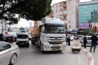 CEVIZLI - Kartal'da Hafriyat Kamyonunun Çarptığı Kadın Hayatını Kaybetti