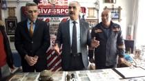 TEMİZLİK İŞÇİSİ - Temizlik İşçisi Çöpten Koleksiyon Yaptı