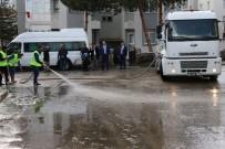 KALDIRIMLAR - Aziziye Belediyesi Bahar Temizliğine Başladı