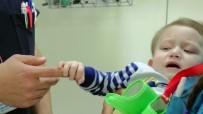 YOĞUN BAKIM ÜNİTESİ - Bombalı Saldırıda Yaralanan Bebeğe Hastane Çalışanları Sahip Çıktı